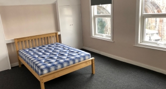 Double bedroom (N4) in a shared house, Cheltenham Rd