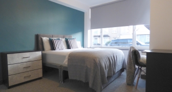 Large Ensuite Bedroom 1 in a Shared house, Toronto Rd (LET AGREED)